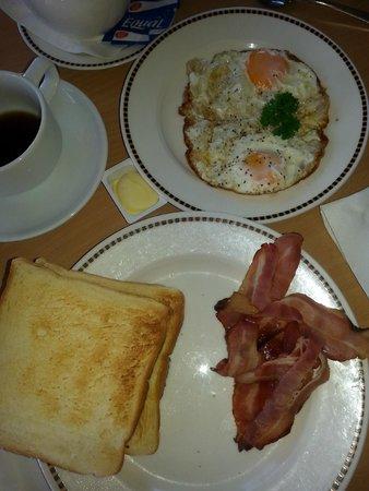 VR Rotorua Lake Resort : breakfast