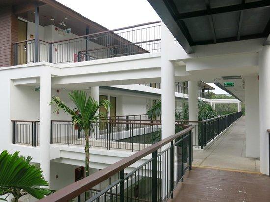 Holiday Inn Resort Krabi Ao Nang Beach: Bedroom entrance