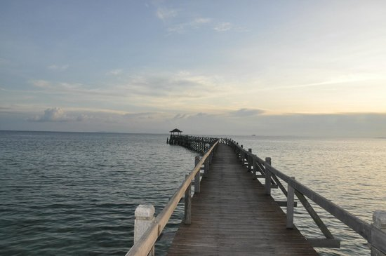 Bagus Place Retreat: The long pier