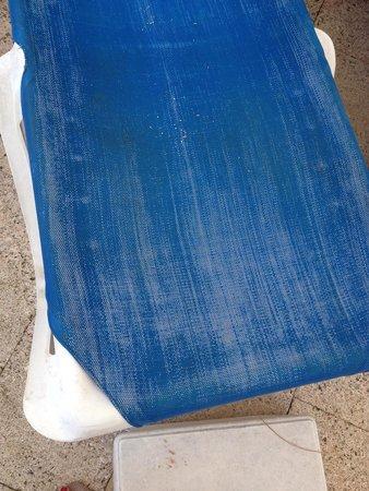 ILUNION Caleta Park: Swimming Pool chairs need replacing