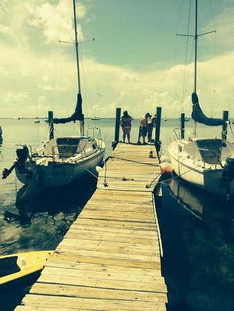 Key Lime Sailing Club and Cottages: Chillin