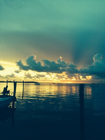 Key Lime Sailing Club and Cottages: Another sunset