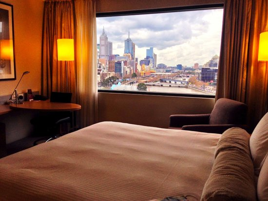 Crowne Plaza Melbourne: Room with View