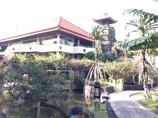 The Royal Beach Seminyak Bali - MGallery Collection : gardens