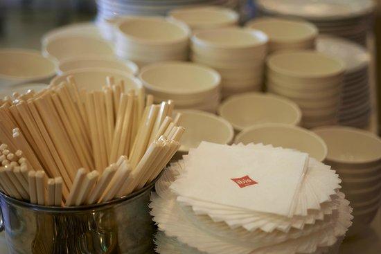 Ibis Beijing Sanyuan: Tableware
