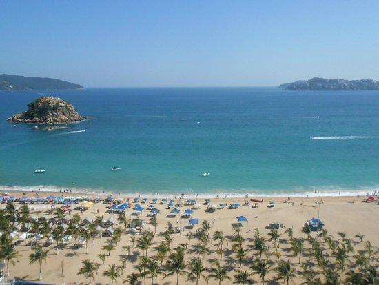 Emporio Acapulco Hotel: Sol, playa, arena...