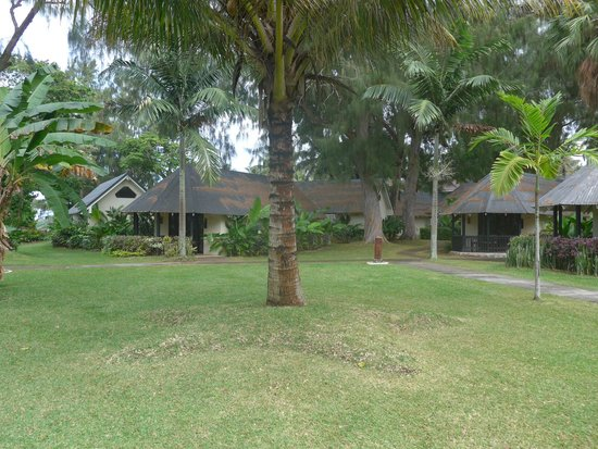 Warwick Le Lagon - Vanuatu: Rooms and grounds