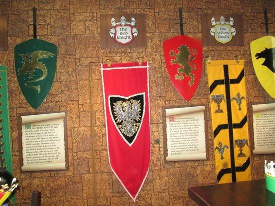Medieval Times Buena Park : crests?