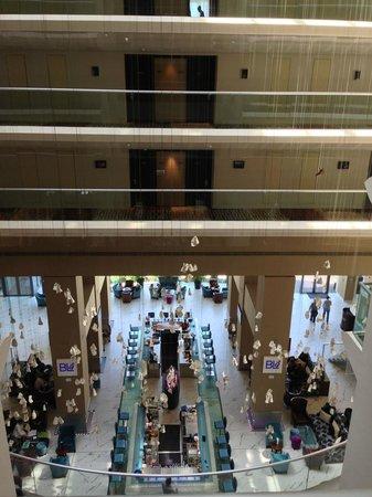 Radisson Blu Hotel Bucharest : Lobby from above