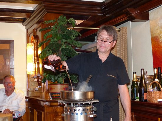 Restaurant Le Sarment d'Or : Maitre d'hôtel (AU  TOP ! ).