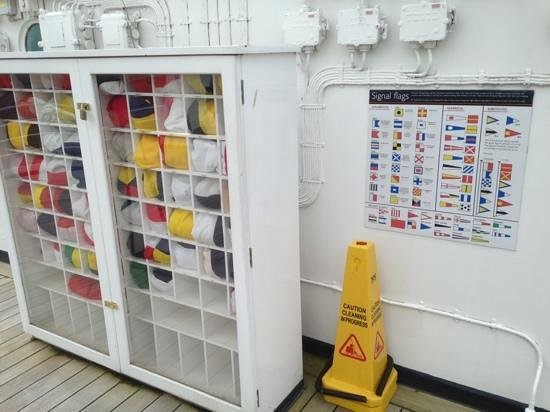 Britannia (navire) : The Flag Locker