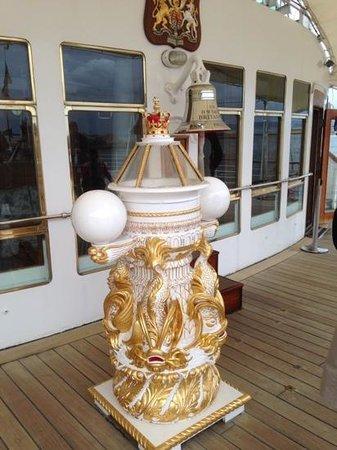 Britannia (navire) : The Binnacle