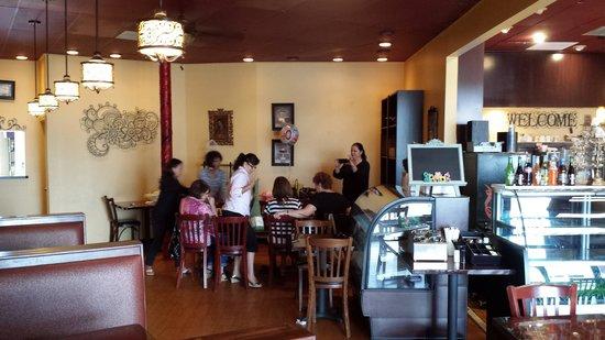 Viva Itacate : Left Side Dining Area