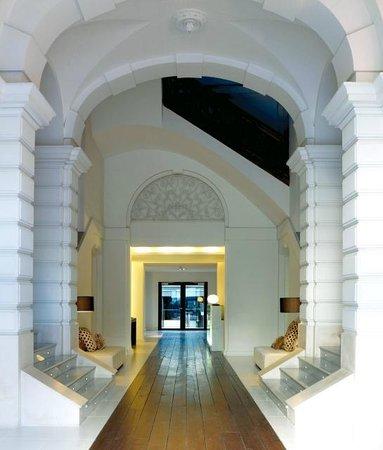 Hospes Palau de la Mar Hotel: Hotel Entrance