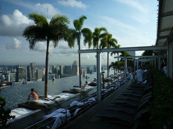 Marina Bay Sands: Pool area on 57th floor.