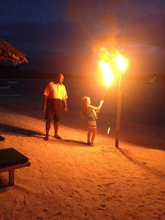 Nanuya Island Resort: lighting lamps