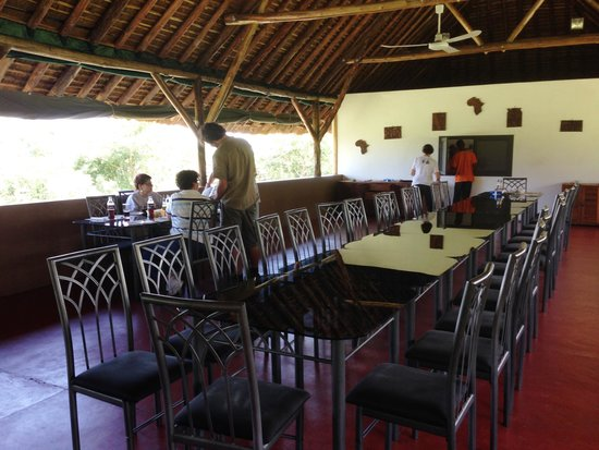 Bwana Tembo Safari Camp: Dining room