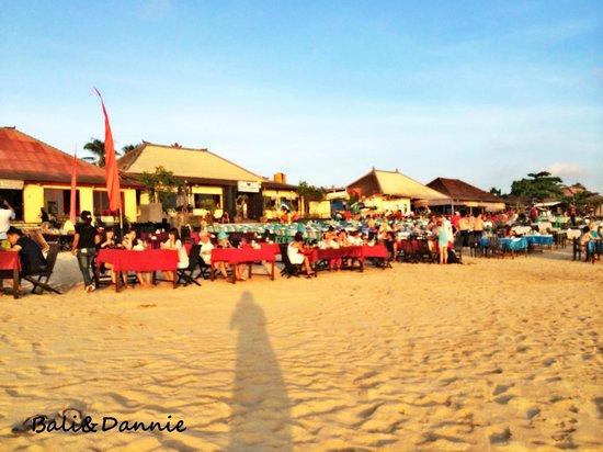 Romantic Dinner in Jimbaran Bay: dinner