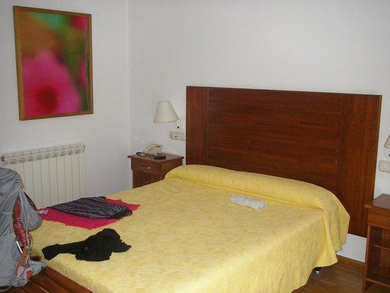 La Portela De Valcarce, Spanien: our room was quite ample