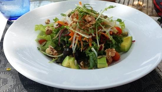 Re Ka Ta Beach Club : Rekata salad