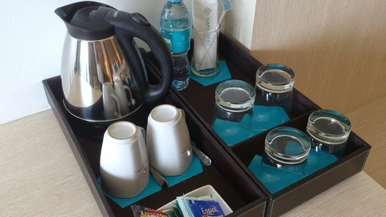 Cape Dara Resort: Coffee/tea maker plus complimentary 2 bottles of water