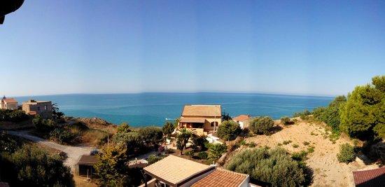 Bed and Breakfast Mediterraneo Mare e Sole: Vista dal Terrazzo