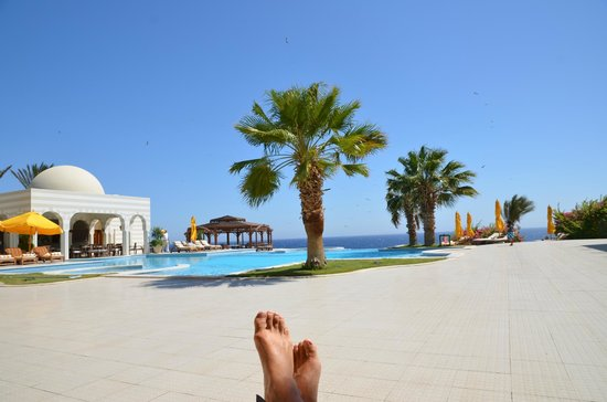The Oberoi Sahl Hasheesh: Une piscine à débordement.