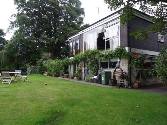 Withyholt Guest House: House and the Garden