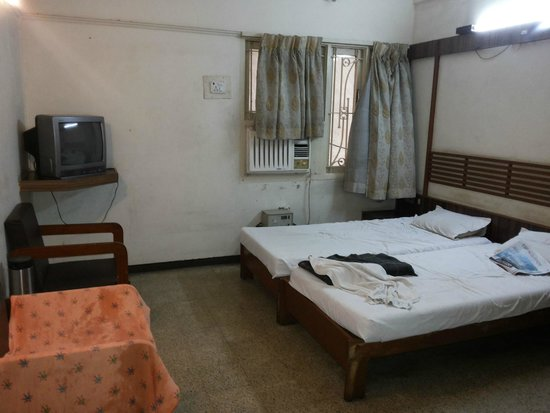 Prem Nivas Hotel: Old Room Facilities