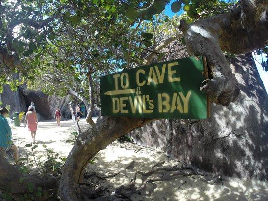 Vilocity Boat Rentals: Cave