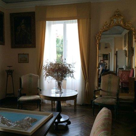 Villa Olimpo B&B: гостевой холл