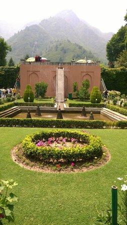 Chashme Shahi Gardens : Garden 2