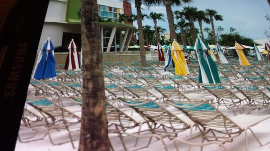 Universal's Cabana Bay Beach Resort: Think beach