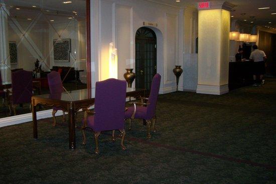 Hotel Manoir Victoria: hall d'entrée