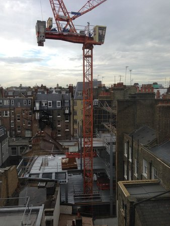 The Marylebone : Building site near hotel VERY NOISEY