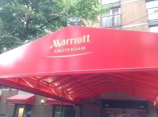 Amsterdam Marriott Hotel: One of the Enterances