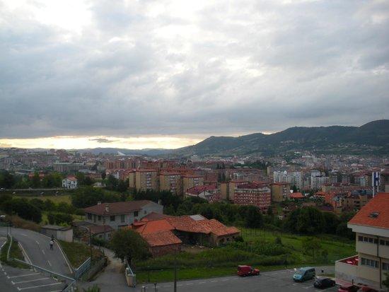 Hotel Palacio de Asturias: Vistas des de delante del hotel