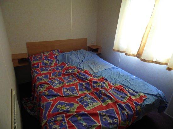Marine Holiday Park: bedroom