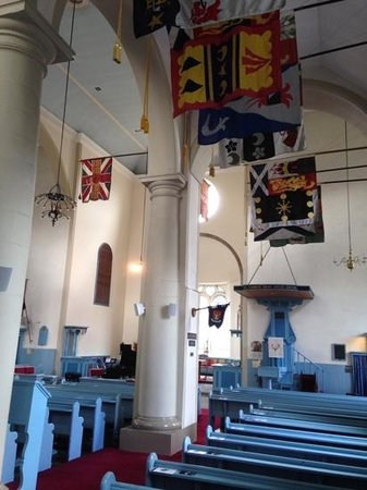 Canongate Kirk: Welcoming Interior