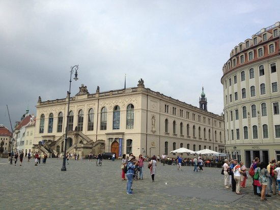 Neumarkt: square for open air performers