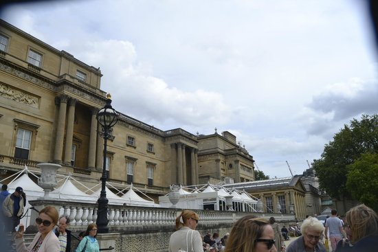 Buckingham Palace: showing dining and tea rooms very good