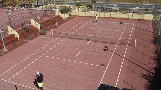 Occidental Jandia Playa: Kort tenisowy