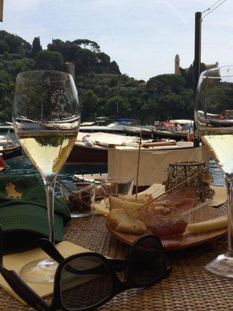 Winterose Wine Bar: Uitzicht op de haven