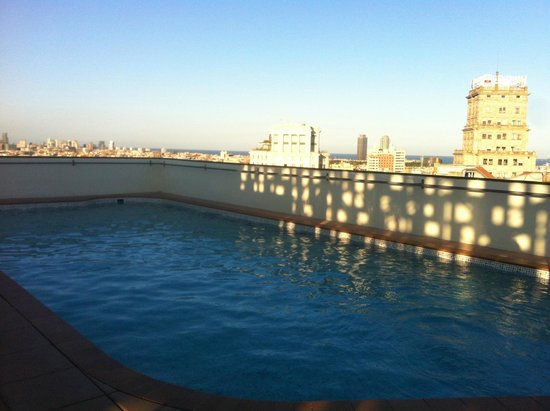 NH Collection Barcelona Gran Hotel Calderon: Rooftop swimming pool