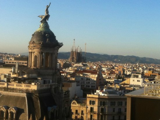 NH Collection Barcelona Gran Hotel Calderon: View from rooftop pool