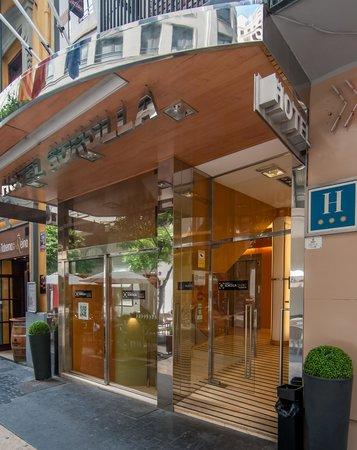 Hotel Sorolla Centro: Entrada del Hotel