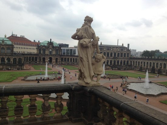 Zwinger: imagining the royalties walking around those fountain