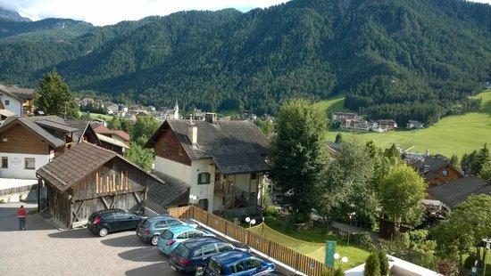 Hotel Mirabel: Vista dalla stanza del parcheggio riservato