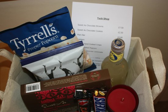 Warwick Arms Hotel: Tuck Shop in Every Room