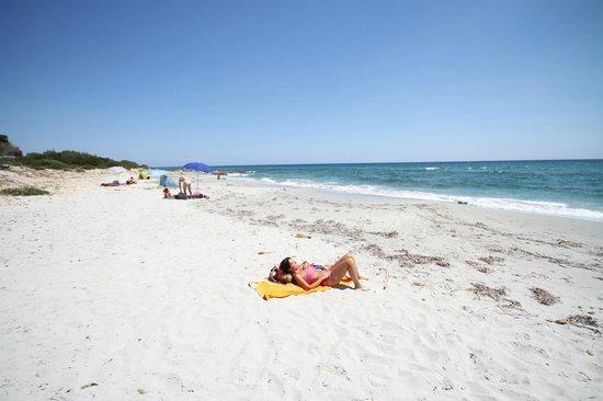 Spiaggia di budoni camping pedra e cupa foto di camping for Alloggi budoni